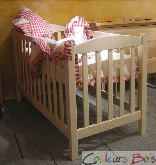 Chambre bébé en bois massif Tilleul Mathy by Bols
