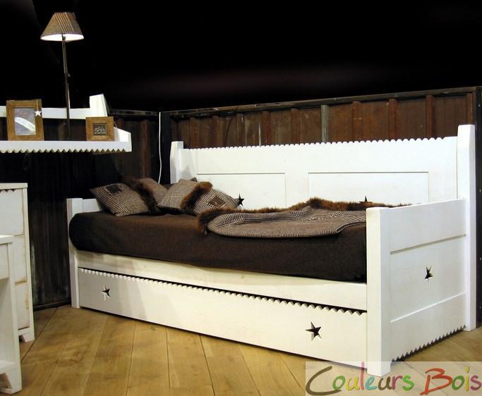 banquette lit enfant bois massif mer et montagne mathy by bols. Black Bedroom Furniture Sets. Home Design Ideas