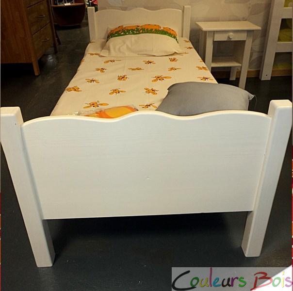 lit enfant artisanal cologique l a en bois massif. Black Bedroom Furniture Sets. Home Design Ideas